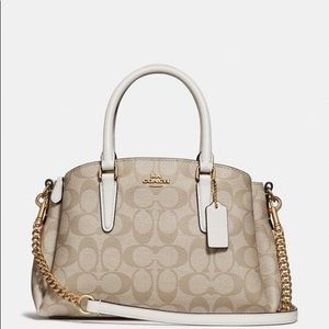NWT! 💕 Coach Carryall in Signature Canvas